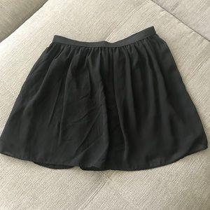 Short chiffon black skirt